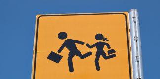 school bus crossing sign