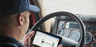 Driver using Fleet TPMS to connect to PressurePro's Connect platform.