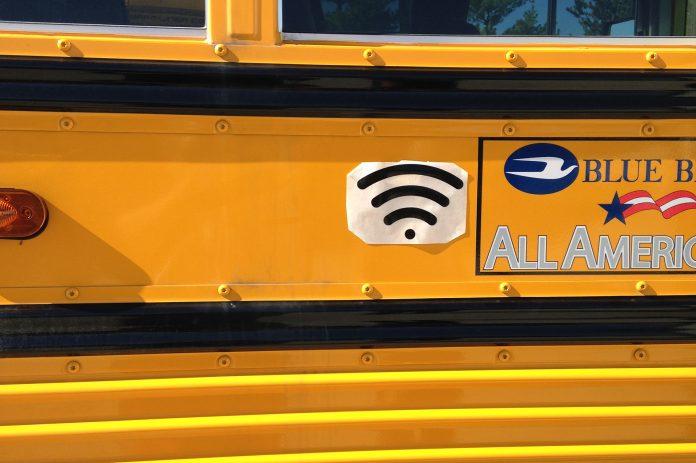 Stock photo of school bus Wi-Fi