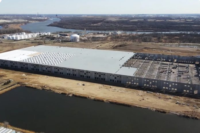 The Lion Electric Company's 900,000 square-foot facility in Joliet, Illinois is expected to be completed by the end of this year.
